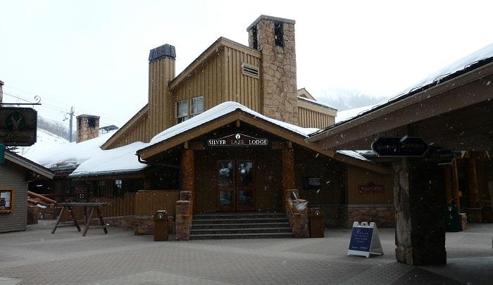 Silver Lake Venue